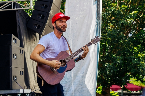 Shakey Graves, unplugged